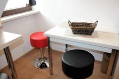 komplett eingerichtete Küche, Essecke - Ferienwohnung - Haus Talblick